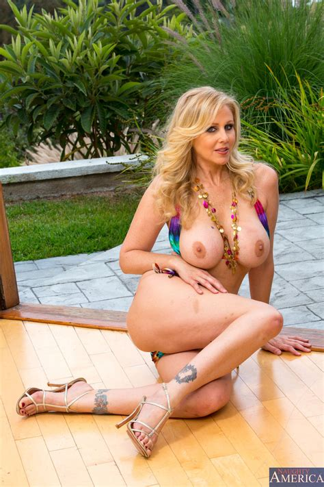 Julia Ann My Girl Loves Anal 2135