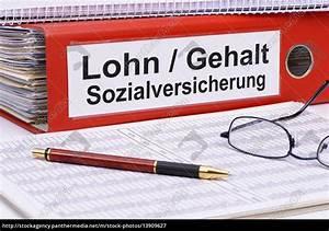 Steuern Und Versicherung Berechnen : aktenordner beschriftet mit lohn gehalt und ~ Themetempest.com Abrechnung
