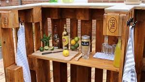 Bar Aus Holzpaletten : bar aus paletten selber bauen kaufen palettenbar ~ A.2002-acura-tl-radio.info Haus und Dekorationen