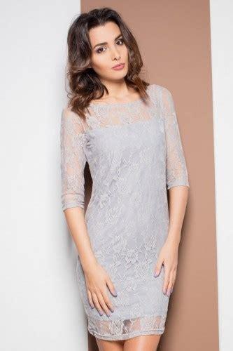 romantyczna szara sukienka z koronką na sukienki
