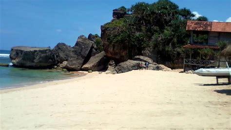 pantai indrayanti tempat wisata  gunung kidul