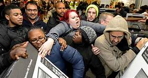 Bettwäsche Black Friday : 10 times people died because of black friday listverse ~ Buech-reservation.com Haus und Dekorationen