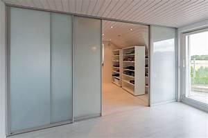 Raumteiler Aus Glas : schiebet ren als raumteiler in die ankleide und als durchgang ins bad auf zu ~ Frokenaadalensverden.com Haus und Dekorationen