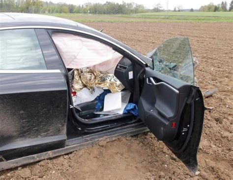 Tesla Model S Accident In Germany In Pictures