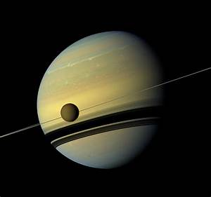 Spectacular Photos of Saturn and Titan Captured by Cassini ...