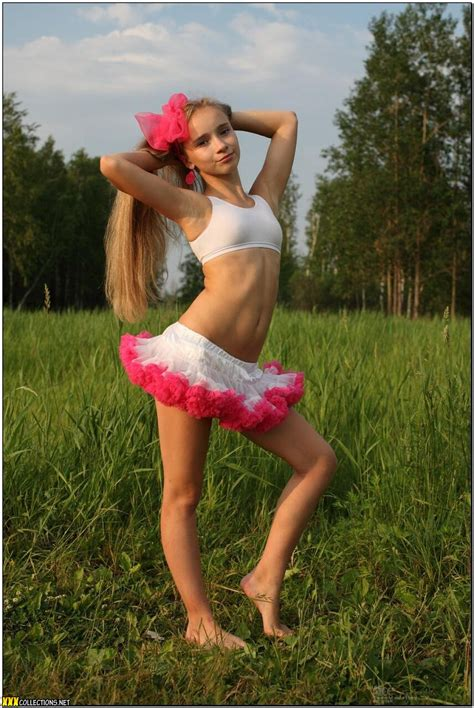 Teenmodelingtv Alice Pink And White Tutu Picture Set Download