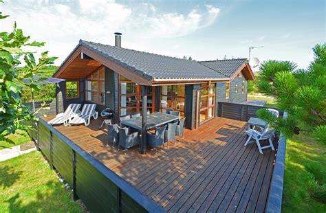 Terrasse Am Haus by Sch 246 Nes Haus Mit Geschlossener Terrasse Und W 228 Rmepumpe