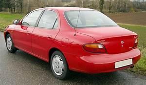 1995 Hyundai Elantra Base