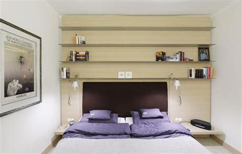 mensole da letto consigli su come arredare la da letto