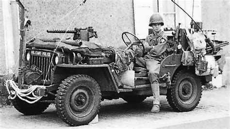 army jeep ww2 us military police jeep ww2 militaryimages net