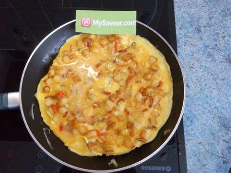 omelette aux pommes de terre et poivron magali g