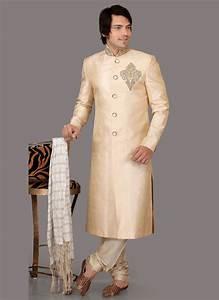 Tenue Indienne Homme : robe indou4 jpg ~ Teatrodelosmanantiales.com Idées de Décoration