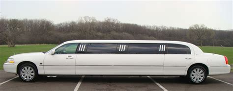 Small Limo by 2005 Lincoln Town Car