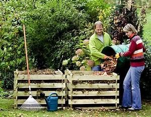 Kompost Richtig Anlegen : kompost abfall recycling im garten kompost sch ne ~ Lizthompson.info Haus und Dekorationen