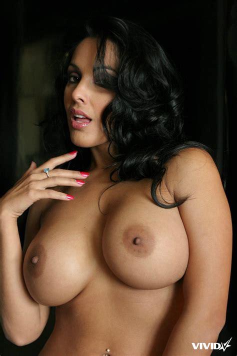 Nina Mercedez Jtreehorn81