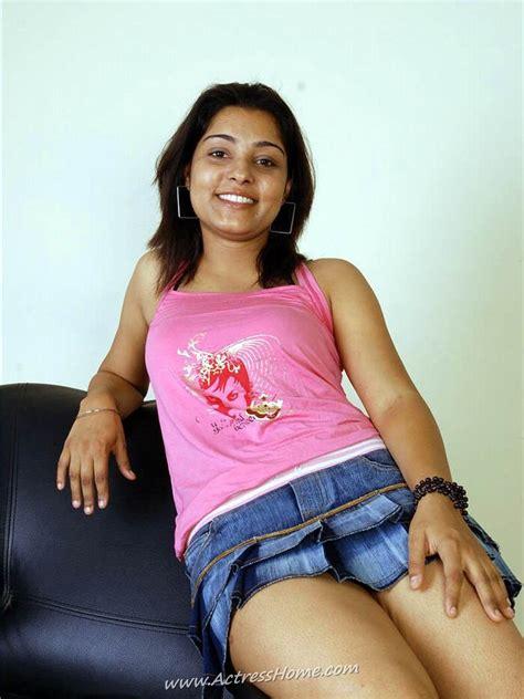 hot girl showing her boobs desi indian girls