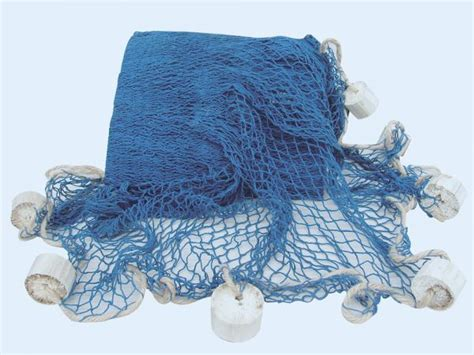 troline avec filet pas cher deko fischernetz blau mit deko bojen 6 25 m 178 maritime deko bei meeresgeschenke de