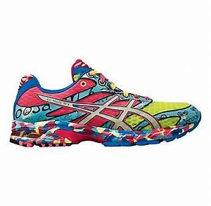 Who wears extreme color running shoes