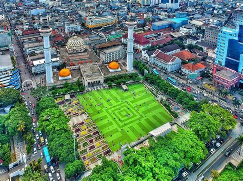 deretan masjid ikonik bandung  indah  sarat kisah