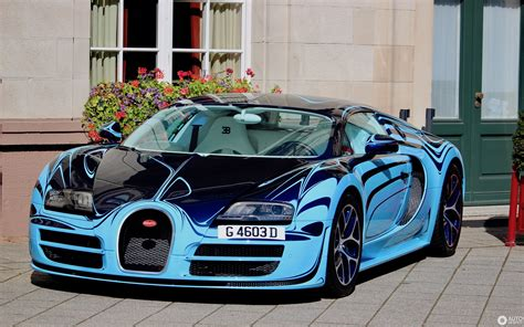 So what do you get when you fuse the two together? Bugatti Veyron 16.4 Super Sport Le Saphir Bleu - 18 ...