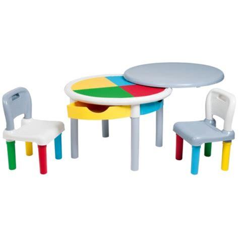 table activité bébé avec siege table de construction multicolore et ses deux chaises