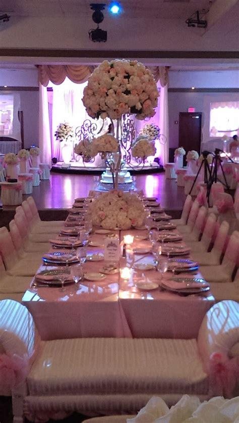 sweet sixteen table set