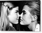 Mariel Hemingway, 14, With Her Sister Photograph by Everett