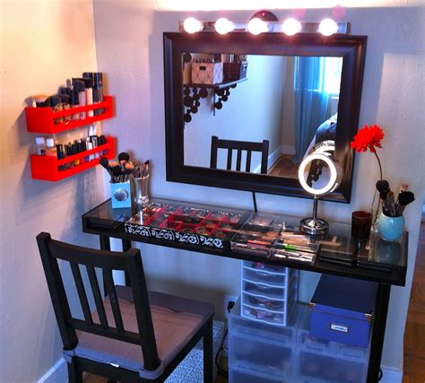 Black Makeup Desk With Lights by Black Makeup Vanity Table With Lighted Mirror On Atop And