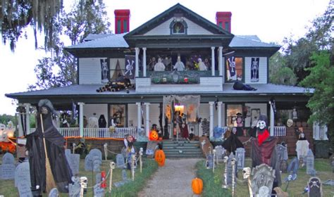 The Best Decorated House For - 38 who went overboard with house decorations