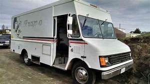 Chevrolet P30  1994    Van    Box Trucks