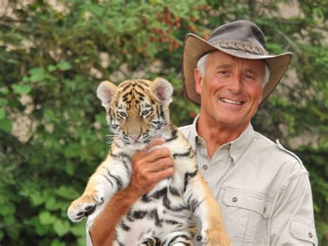 Jack Hanna Biography - Childhood, Life Achievements & Timeline