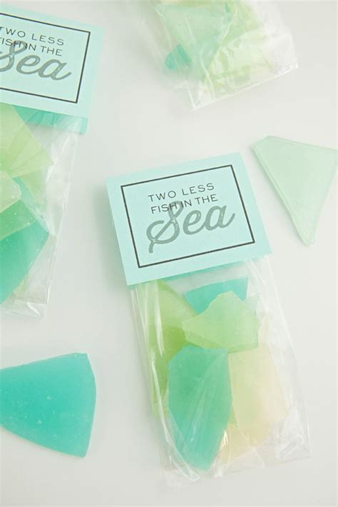 ideas  inexpensive wedding favors