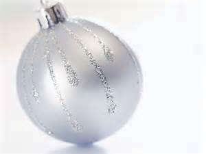 white christmas big ball christmas ornaments christmas wallpaper