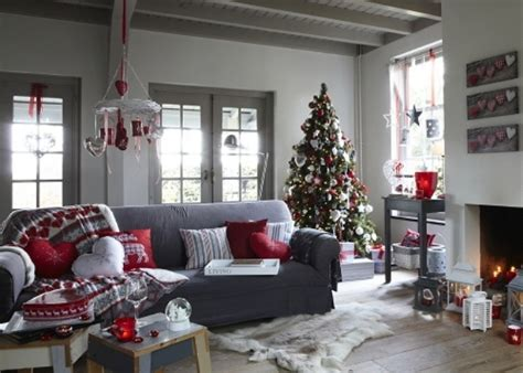 55 Dreamy Christmas Living Room Décor Ideas Yellow Kitchen Curtains Valances Makeovers Before And After Traditional Tap Transitional Style Kitchens Cottage Cabinets Hgtv Makeover Shows Designs Contemporary