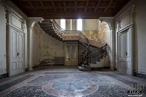 PROJ3CTM4YH3M Urban Exploration Urbex: Villa Margherita