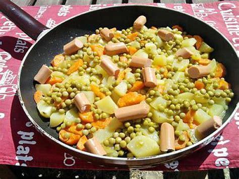 cuisiner petit pois carotte en boite recette de poelée de pommes de terre au petit pois carottes