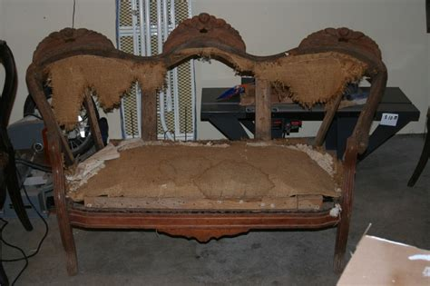 Settee Repairs by 1000 Images About Settee On