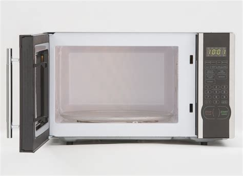countertop microwave reviews magic chef mcm1110st microwave oven consumer reports