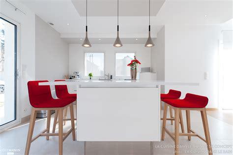 cuisine dans salon cuisine dans salon aménager une cuisine ouverte côté