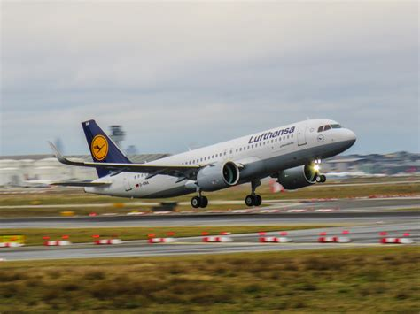 Filelufthansa Airbus A320 Neo Daina, The World's First