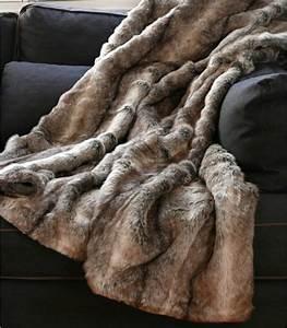 Plaid Fourrure Gris : plaid fausse fourrure grizzly brun 150 x 170 cm plaid addict vente en ligne de 10 ~ Teatrodelosmanantiales.com Idées de Décoration
