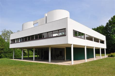 villa savoye by le corbusier and jeanneret 1928
