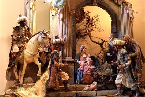 war  christmas   italian school   cancel