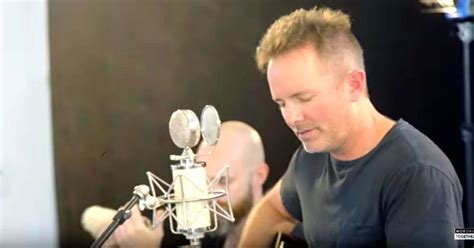 Chris Tomlin Gives Acoustic Performance Of 'yes And Amen