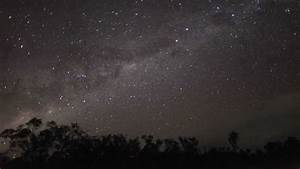 Watch The Milky Way rising with Southern Cross