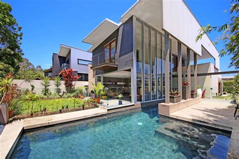 Luxury Villa in Noosa | Modern Villas