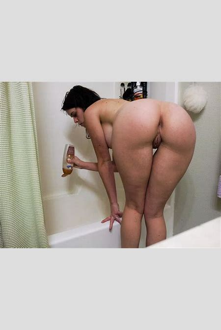 amateur babe big round sexy ass - Amateur Nude Art by Ava Rouge