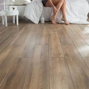 deco salon du carrelage imitation parquet wwwweegora With salon carrelage imitation parquet