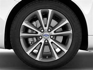 Volvo S60  C70 Recalled Over Incorrect Tire Pressure
