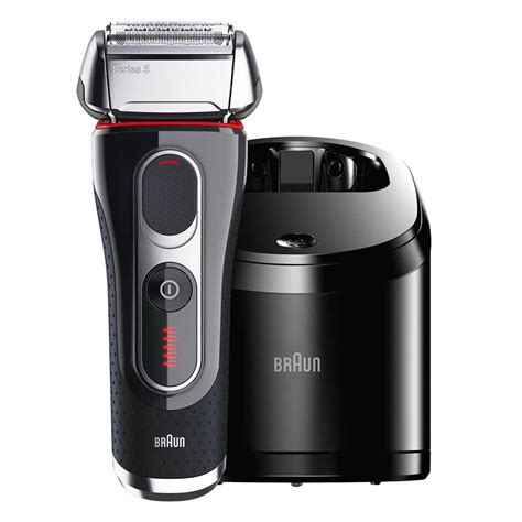 braun series  cc electric shaver wcleaning center